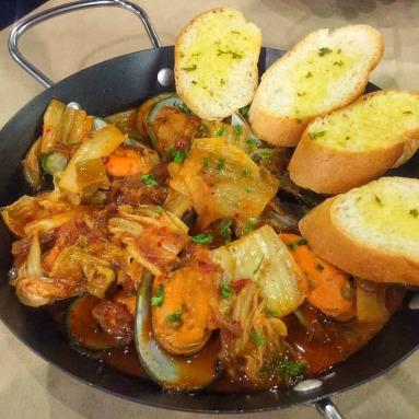 Kimchi Mussel Pot